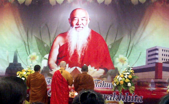Mengenang 11 Tahun Wafatnya Bhikkhu Ashin Jinarakkhita