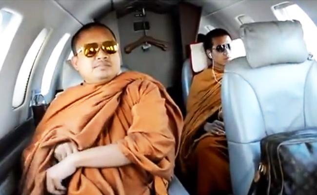 Bhikkhu Thailand Ditegur Karena Hidup Mewah