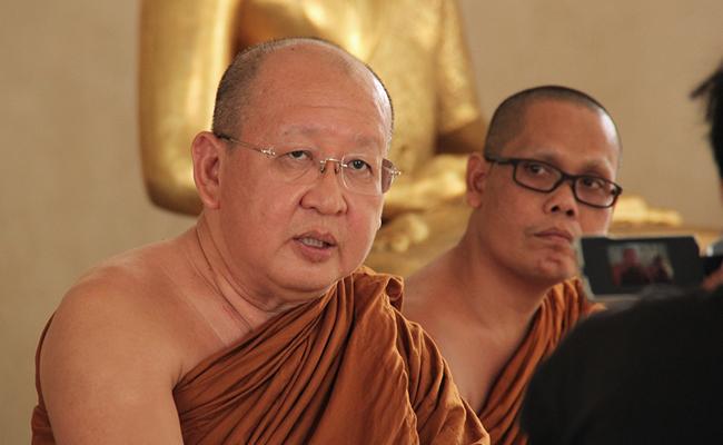 Bhikkhu Jotidhammo: Atthasila Membuat Kita Mudah Menghadapi Hidup