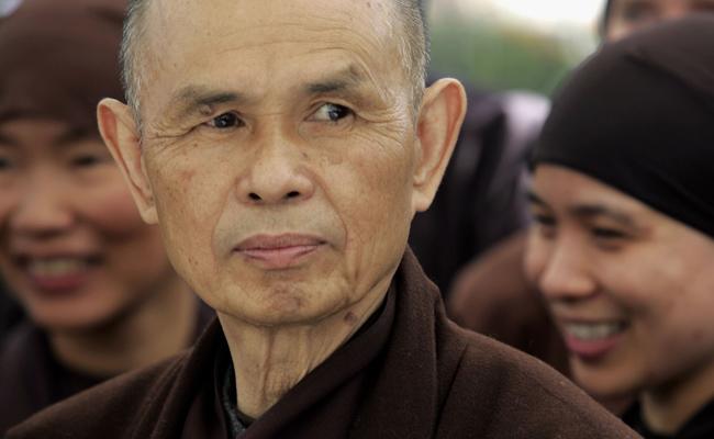 Master Zen Thich Nhat Hanh Sudah Sadar dan Bisa Membuka Mata