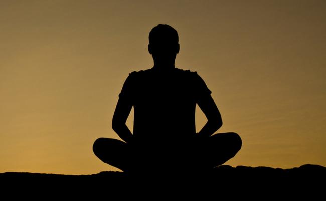 Meditasi Terbukti Meningkatkan Kinerja Otak