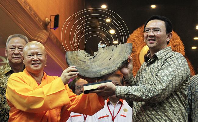 Ahok Ajak Umat Buddha Teladani Buddha Gautama untuk Wujudkan Jakarta Baru yang Lebih Baik