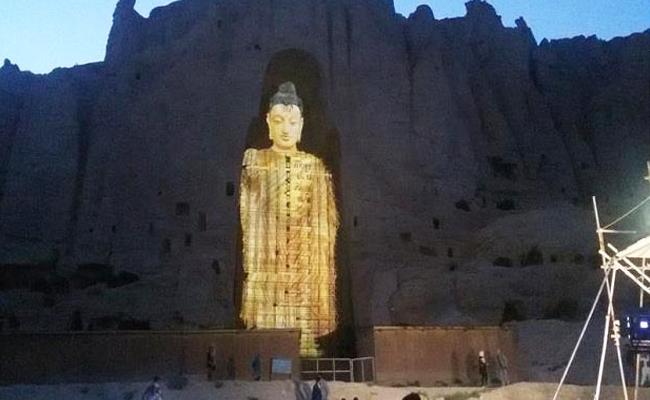Patung Buddha Bamiyan Dibangun Lagi (dengan Proyeksi Sinar 3D)
