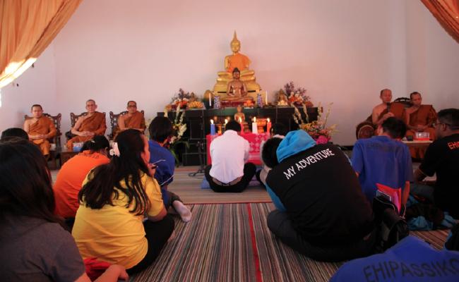 Umat Buddha Temanggung Rayakan Waisak Sambil Buka Puasa Bersama Umat Islam