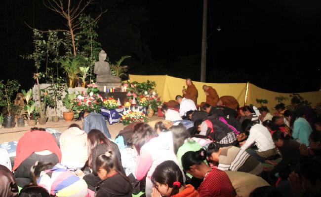 Perayaan Waisak di Temanggung Diakhiri dengan Puja Bakti Bulan Terang di Alam Terbuka