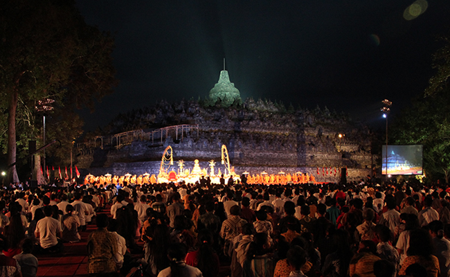 Perayaan Asadha Untuk Pertama Kalinya Digelar di Candi Borobudur