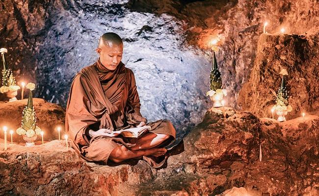 Mengenal Masa Vassa untuk Bhikkhu dan Bhikkhuni