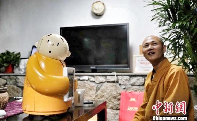 Vihara di Tiongkok Ciptakan Robot Bhiksu