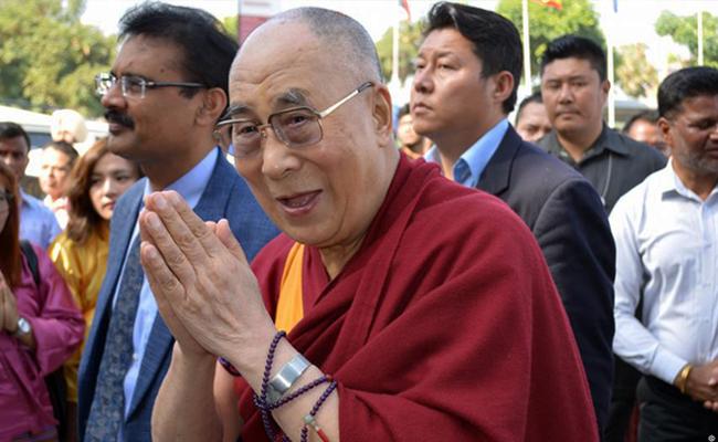 Dalai Lama: Terorisme Tidak Dapat Diselesaikan Hanya dengan Doa