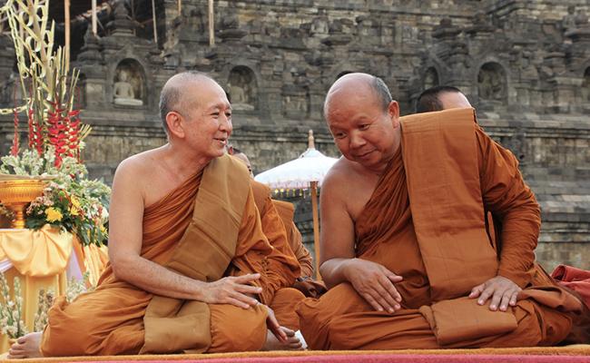 Tak Seperti Para Petingginya, Umat Buddha di Bawah Ternyata Akur