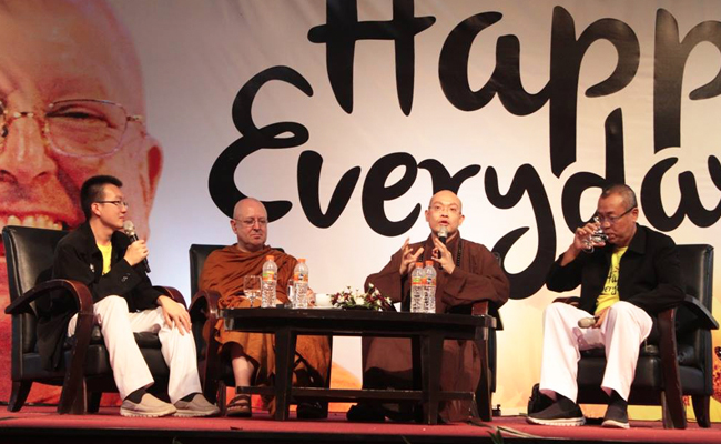 Di Jogja, Dhamma Talk Ajahn Brahm Dibanjiri Umat Lintas Agama