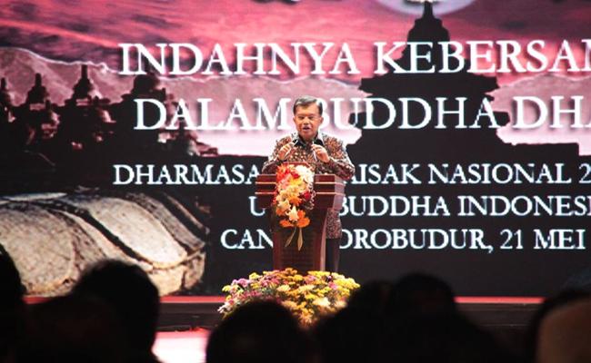 Wakil Presiden Jusuf Kalla Hadiri Dharmasanti Waisak di Candi Borobudur