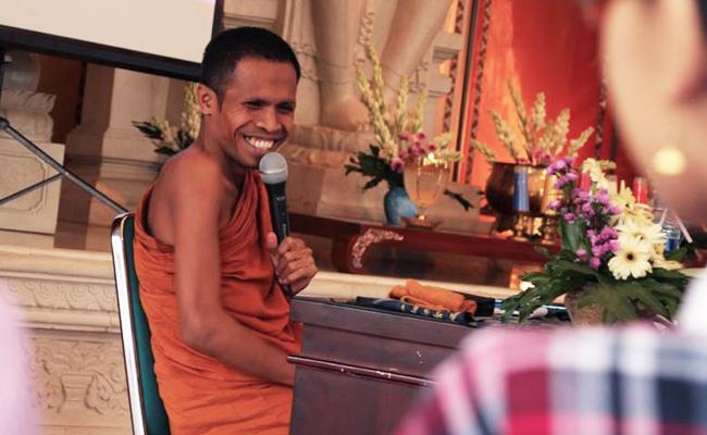 Begini Beda Konsep Ketuhanan dalam Agama Buddha dengan Agama Lain