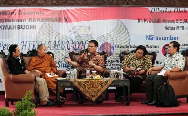 Mahasiswa Buddhis Sebagai Agen Perdamaian Bangsa, Mampukah?