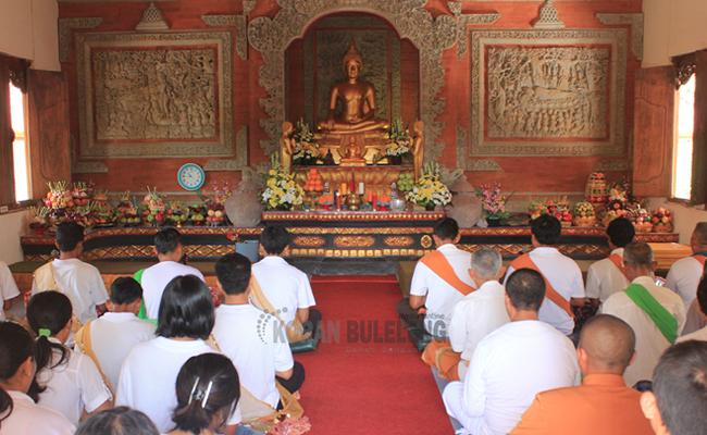 Umat Buddha di Buleleng Rayakan Waisak Berbalut Budaya dan Tradisi Bali
