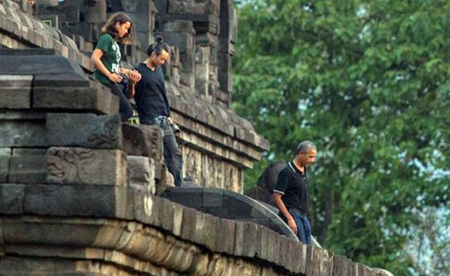 Obama Kagumi Borobudur sebagai Simbol Harmoni dan Toleransi