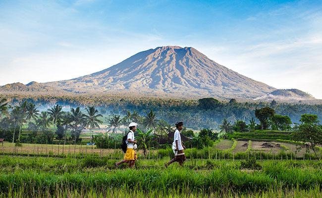 Gunung Agung, Masyarakat Bali, dan Spiritualitasnya