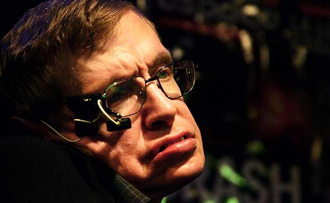 Stephen Hawking: Empati Meredakan Kekerasan