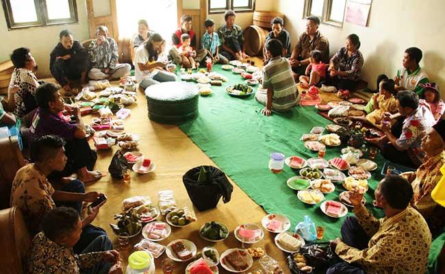 Yuk Sadranan bersama Umat Buddha Dusun Porot