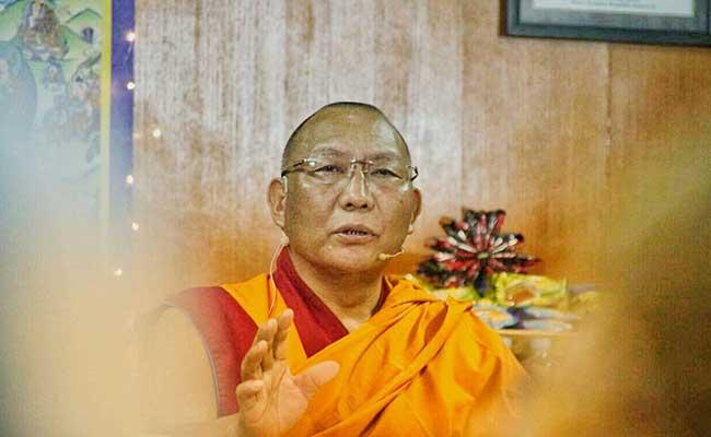 Dagri Rinpoche Ajarkan 37 Praktik Bodhisattva di Mandala Agung Borobudur