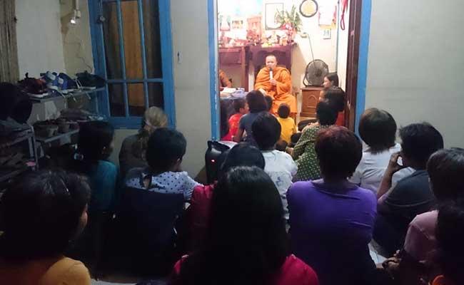 Sambut Waisak dengan Blusukan ke Rumah Umat Buddha