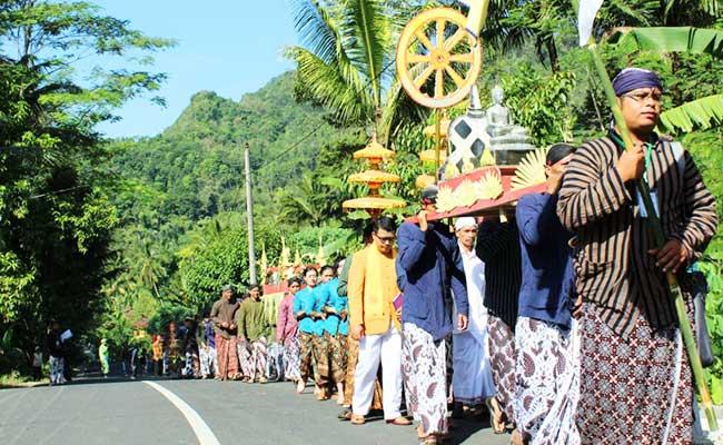 Upacara Tribuana Manggala Bhakti, Upacara Menyambut Waisak