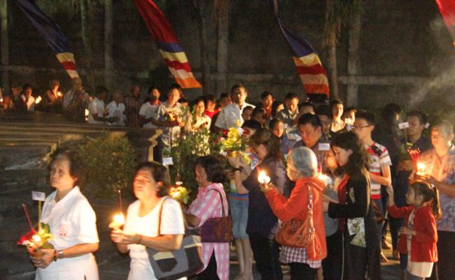 Kesederhanaan Perayaan Asadha di Vihara Dhammasundara Solo