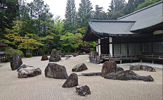 5 Hal Seru yang Bisa Dilakukan Saat Wisata Spiritual di Gunung Koya Jepang