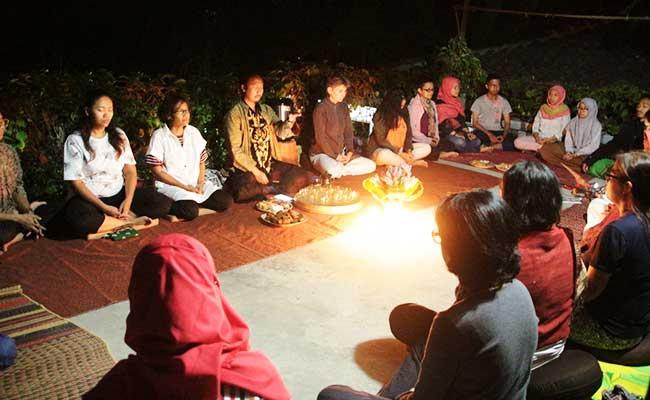 Meditasi karo Kang Zaim