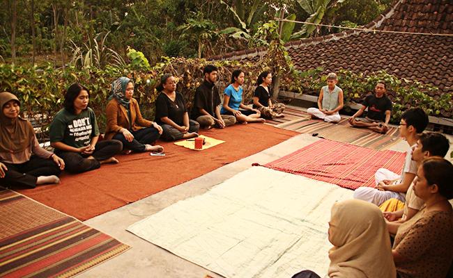 Meditasi Purnama di Rumah Centhini