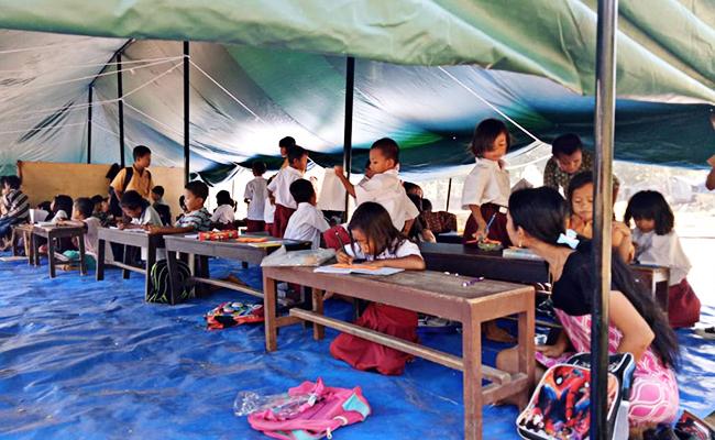 Anak-anak Korban Gempa Lombok Sudah Kembali Sekolah