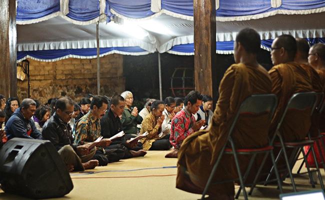 Umat Buddha Temanggung Lakukan Kenduri Pattidana untuk Tutup Bulan Suro
