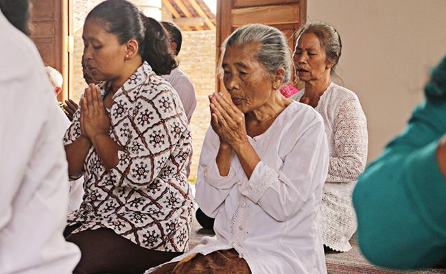 Bhante Sujato Berkunjung ke Dua Vihara Desa