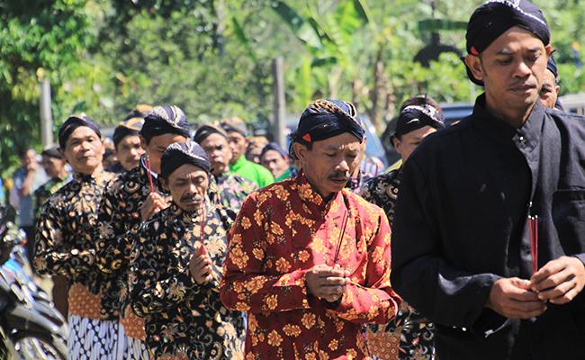Perayaan Asadha Umat Buddha Temanggung, Sederhana dan Khas Jawa