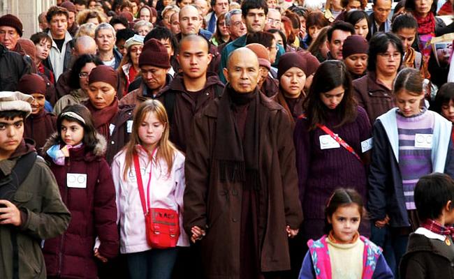 Thich Nhat Hanh Mendapat Anugerah Gandhi Mandela Award 2019