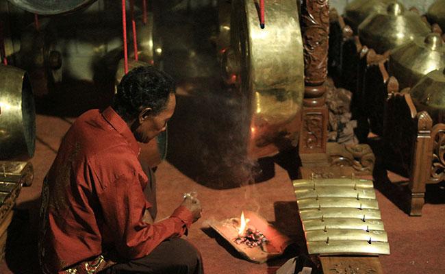 Gendurian Tradisi Bersyukur Masyarakat Jawa Buddha