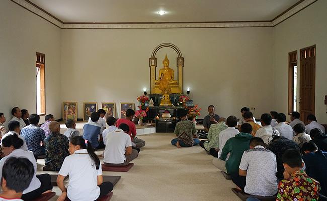 Anjangsana Umat Vihara Indraloka Singkap Keunikan Dusun Krecek