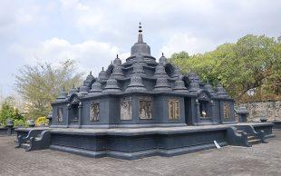 Berbagai Spot Menarik di Vihara Lasem