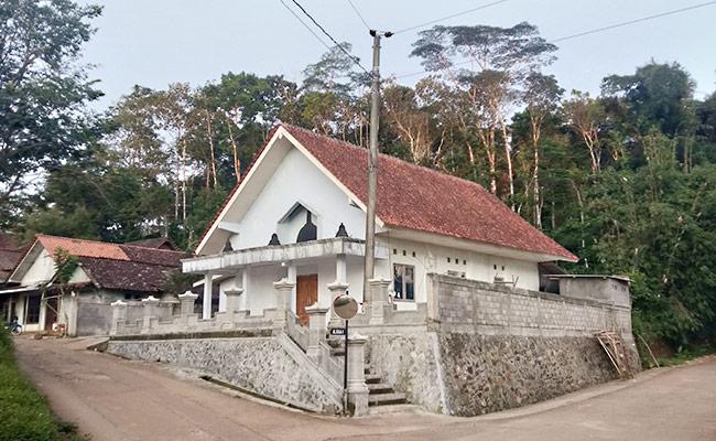 Jalan-jalan Lihat Vihara Dhamma Sasana di Dusun Porot, Temanggung