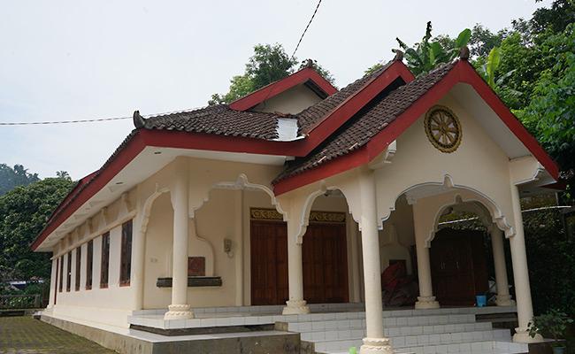 Bukan Karya Arsitek Profesional; Vihara di Perdesaan Tetap Sedap Dipandang