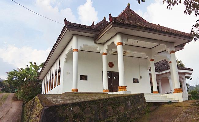 Singgah Vihara Kartika Kusala