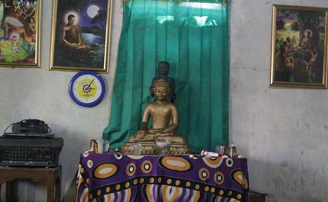 Tidak Punya Vihara, Umat Buddha Sidomulyo Boyolali Menumpang Di rumah Pribadi Untuk Pujabakti