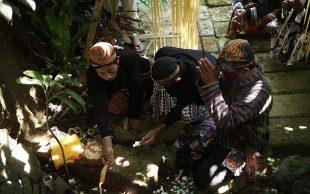 Tradisi Puja Sebagai Wujud Syukur Warga Pringamba, Banjarnegara