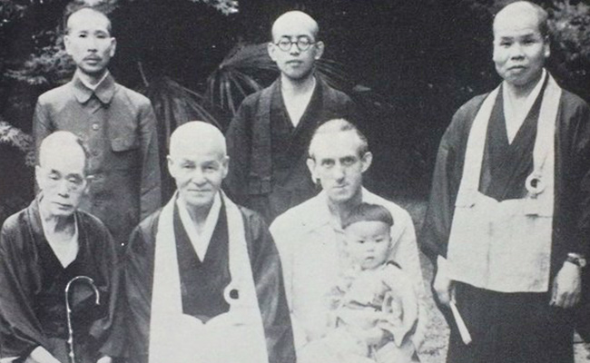 Om Christ, Pelopor Agama Buddha di Barat