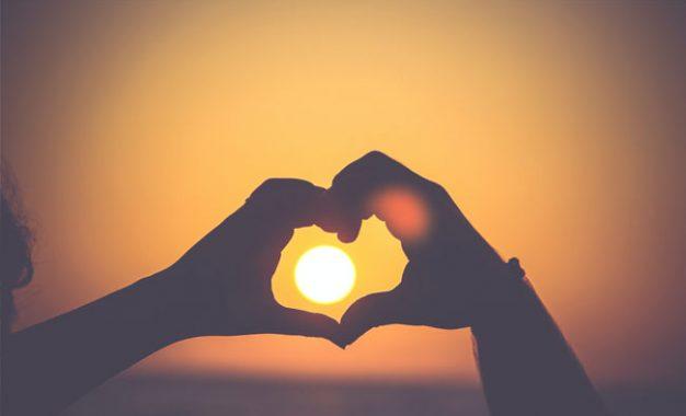 Merawat Cinta: Menenun Cinta dalam Empat Musim