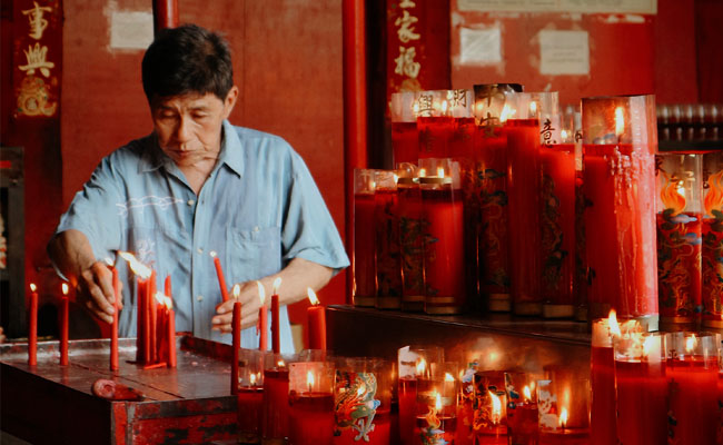 Kaitan Imlek dengan Agama Tradisional Tionghoa