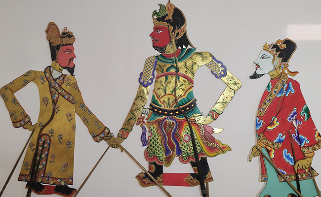 Kaisar Buddhis Tiongkok Hadir dalam Bentuk Wayang Kulit di Jogja