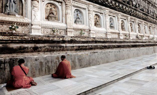 Tri Suci Waisak, Menyusuri Jalan Buddha