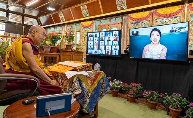 Belajar tentang Pengorbanan dari Dalai Lama & Jataka Mala